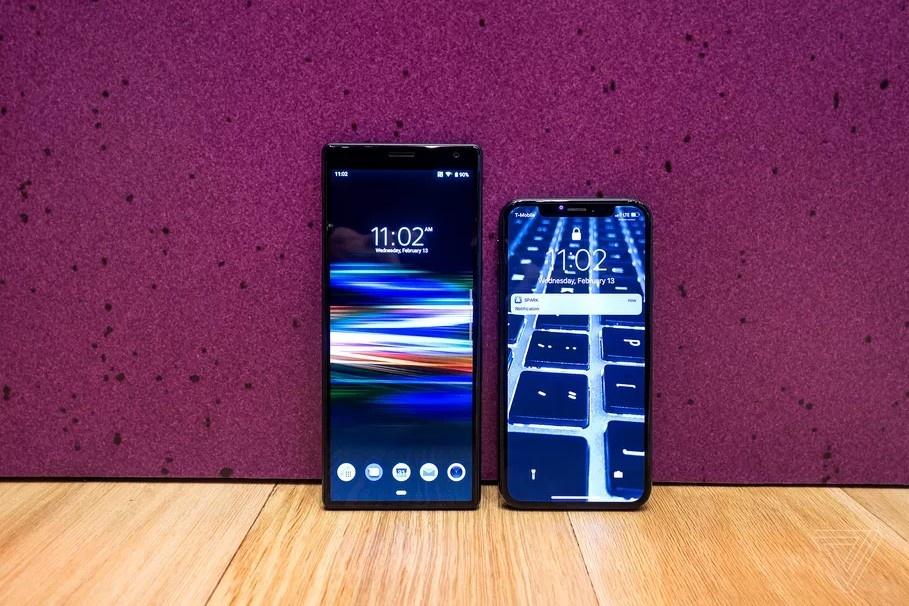 Sony ra smartphone dai bat thuong, 3 camera, co the khong ban o VN hinh anh 3