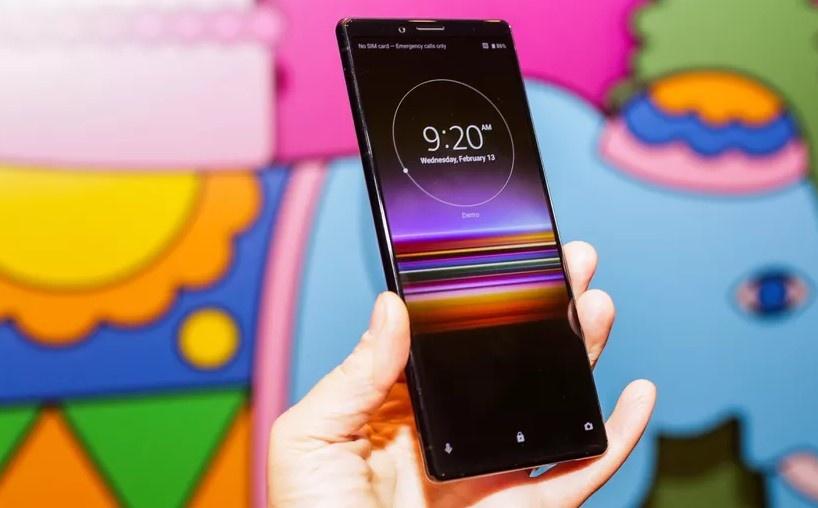 Sony ra smartphone dai bat thuong, 3 camera, co the khong ban o VN hinh anh 2