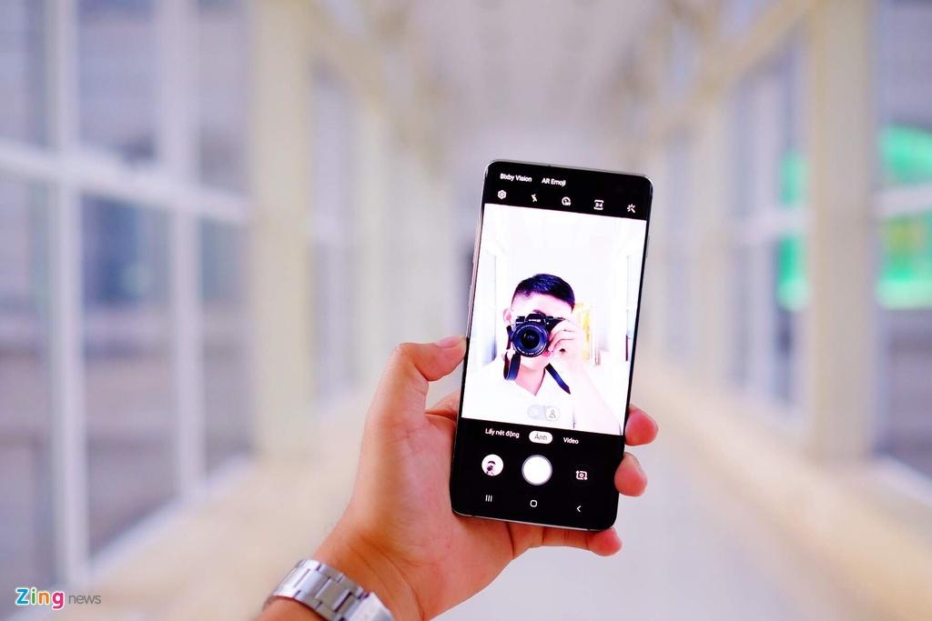 Mo hop Galaxy S10+ anh 9