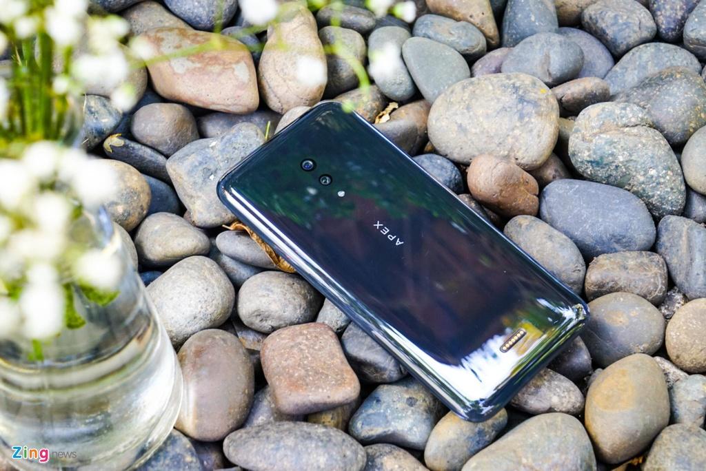 Smartphone khong lo, khong camera selfie ve Viet Nam hinh anh 1