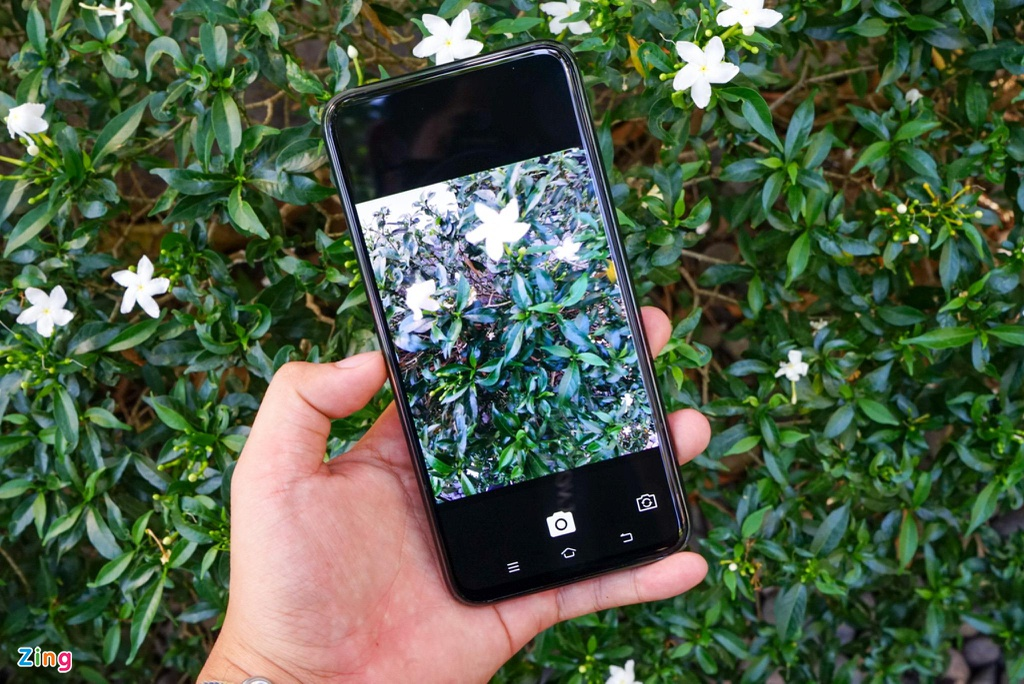 Smartphone khong lo, khong camera selfie ve Viet Nam hinh anh 5