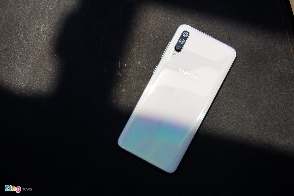 Trai nghiem Galaxy A70 anh 1