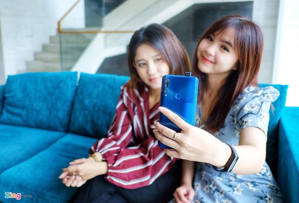 Huawei Y9 Prime 2019 ra mat tai VN - camera truot, gia 6,5 trieu dong hinh anh 1