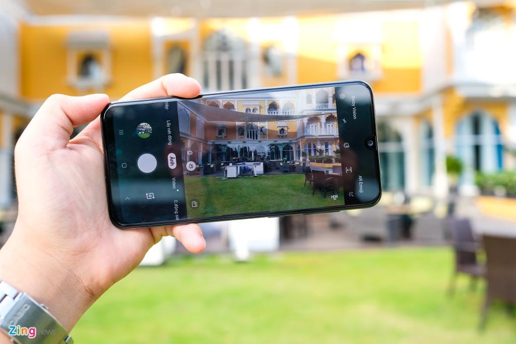 Galaxy A50s - man lon, camera 48 MP, mat lung la, gia 7,8 trieu hinh anh 4