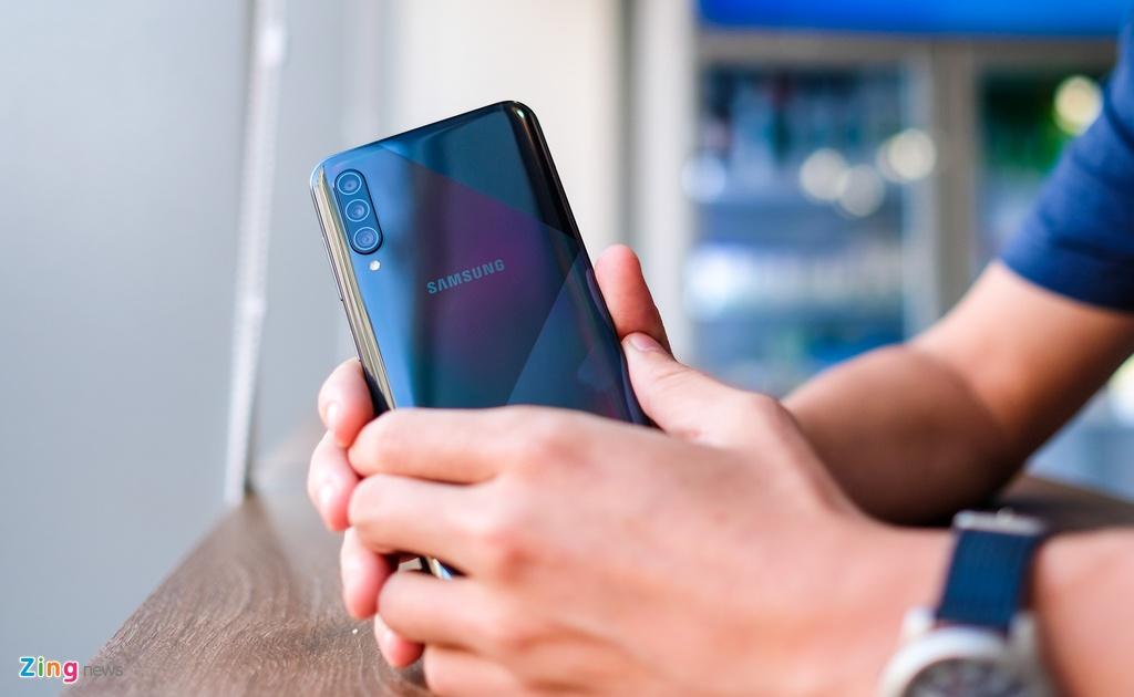 Galaxy A50s - man lon, camera 48 MP, mat lung la, gia 7,8 trieu hinh anh 9