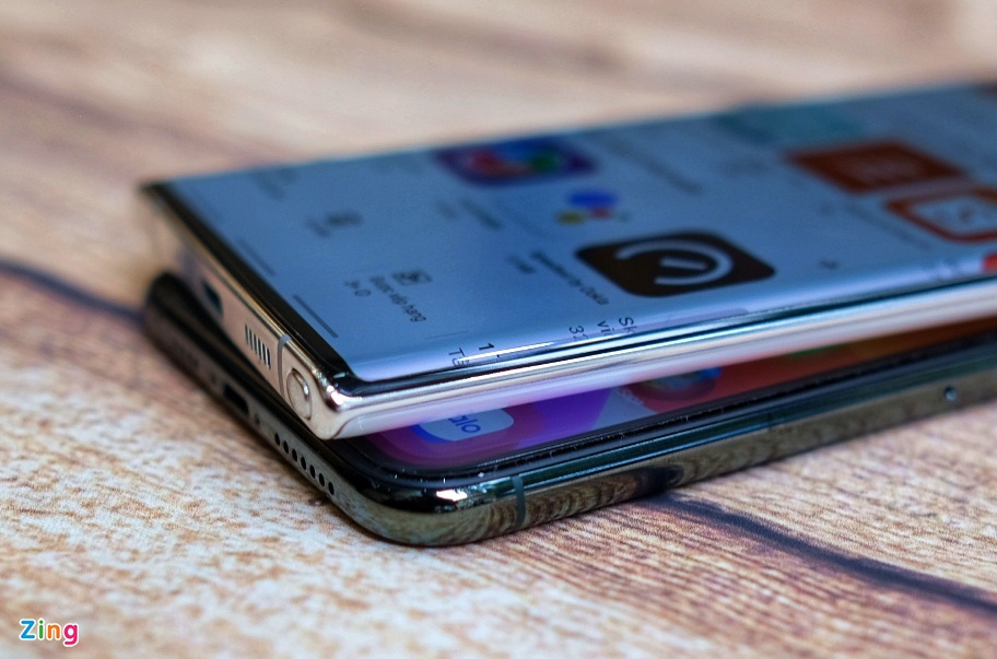 iPhone 11 Pro Max do dang voi Galaxy Note10+ anh 8