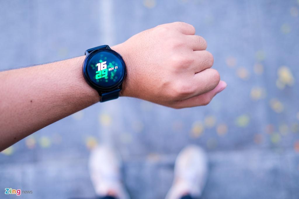 trai nghiem Galaxy Watch Active 2 anh 13