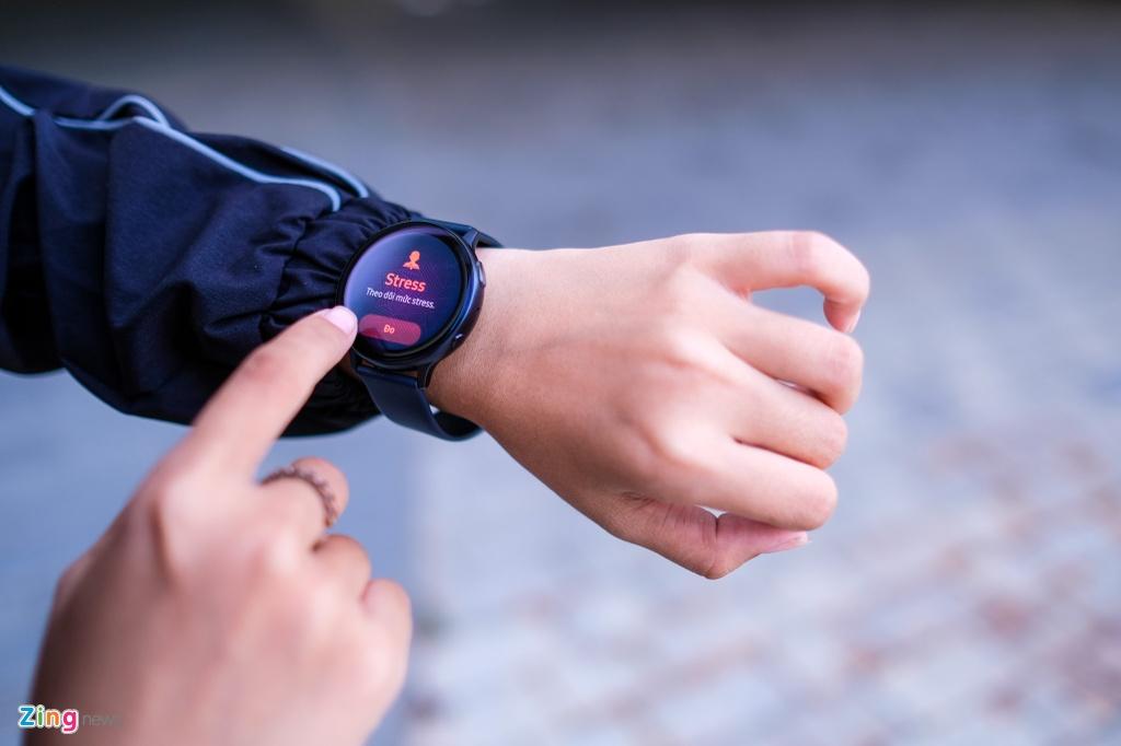 trai nghiem Galaxy Watch Active 2 anh 2