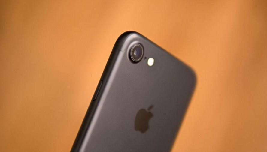 iPhone 7 va loat di dong cao cap mot thoi gia duoi 4 trieu dong hinh anh 2