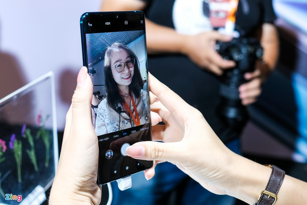 Smartphone dau tien co camera 108 MP ve Viet Nam, gia 13 trieu dong hinh anh 6