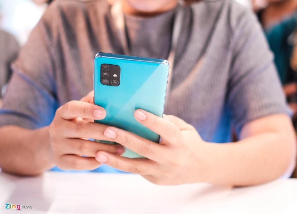 Samsung Galaxy A51 ra mat o VN - tran vien, 4 camera, gia 8 trieu hinh anh 3 Galaxy_A51_zing_(1).jpg