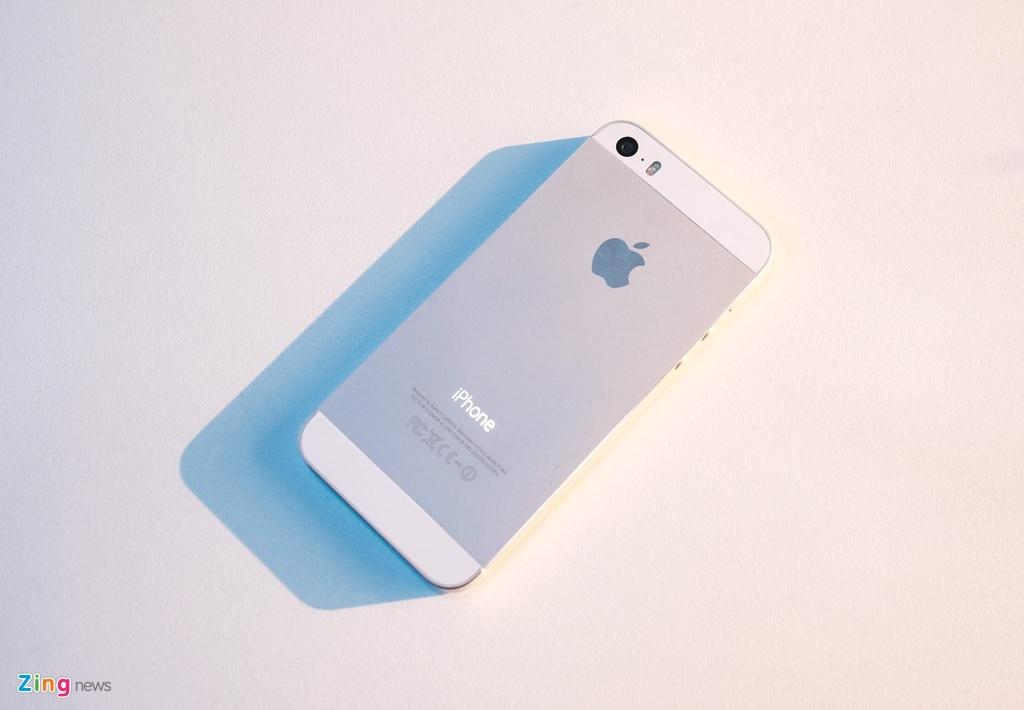 iPhone 5S gia tu 800.000 dong lam duoc gi luc nay? hinh anh 1 iPhone_5S_zing_(13).jpg