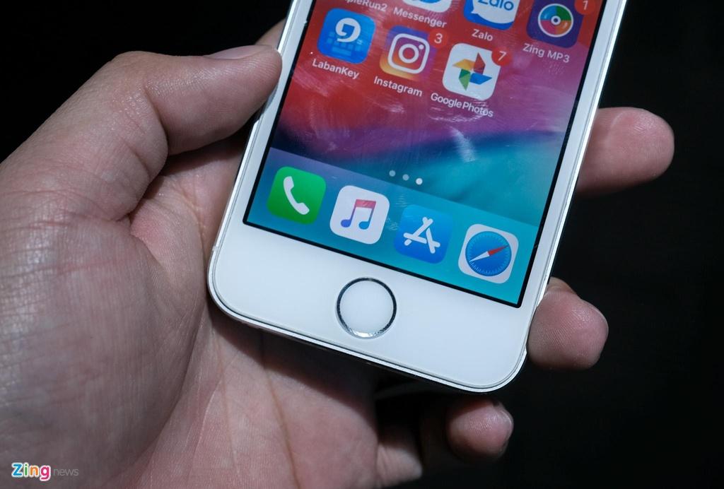 iPhone 5S gia tu 800.000 dong lam duoc gi luc nay? hinh anh 9 iPhone_5S_zing_(8).jpg