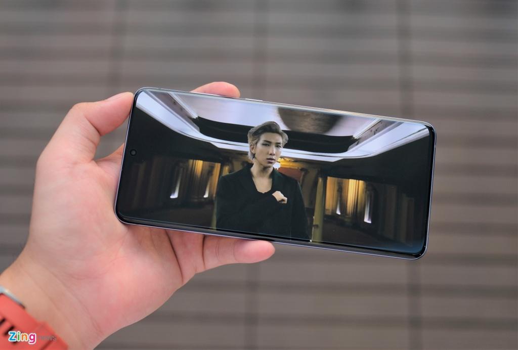 Chi tiet Galaxy S20+ phien ban BTS anh 10