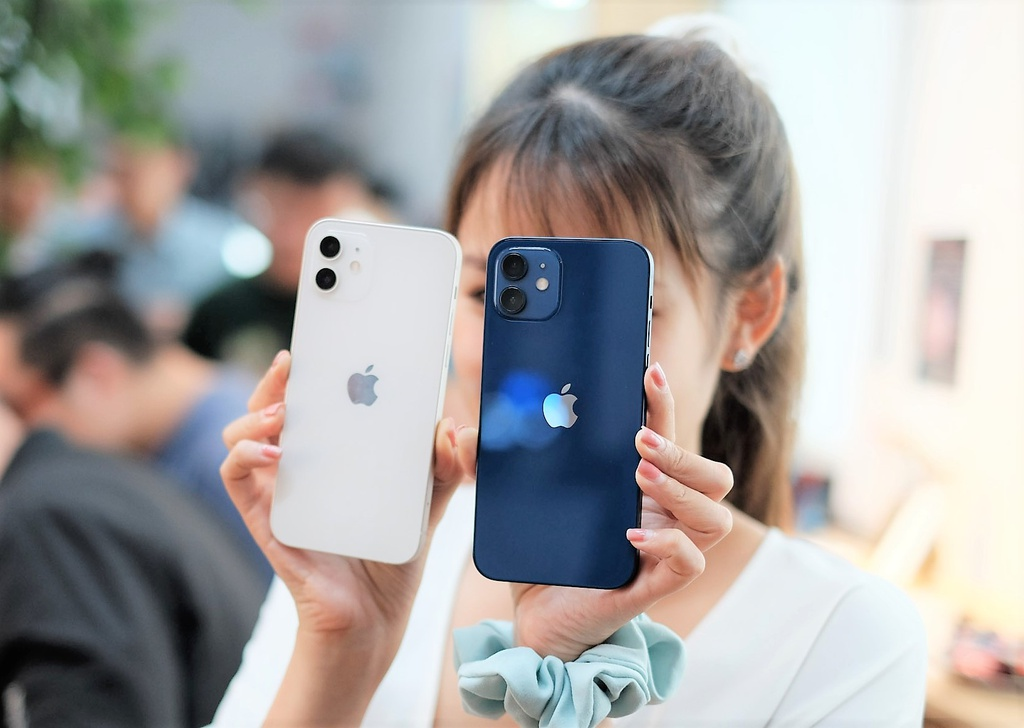 iPhone 12 giam gia anh 1