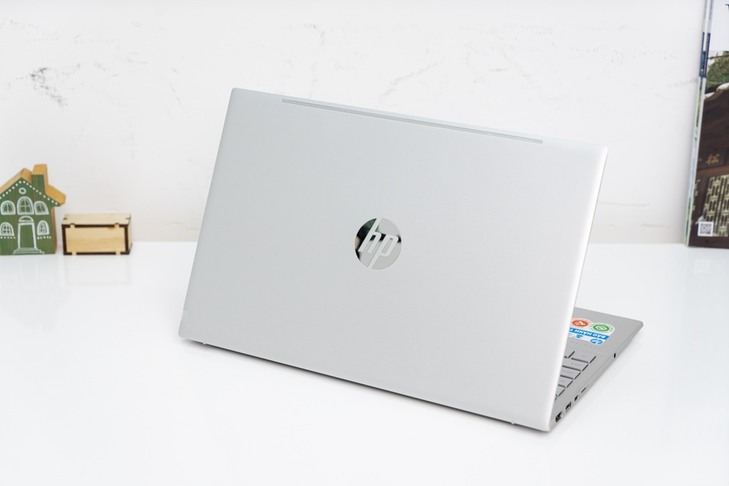 laptop ban chay thang 3/2021 anh 7