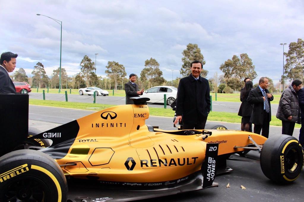 Nguyen dai su VN tai Australia: 'Mo duong dua F1 se nang tam quoc gia' hinh anh 4