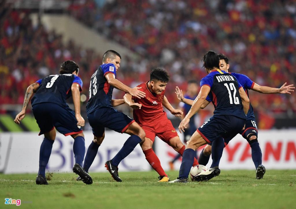 Quang Hai,  Xuan Truong,  Malaysia,  chung ket AFF Cup 2018 anh 1