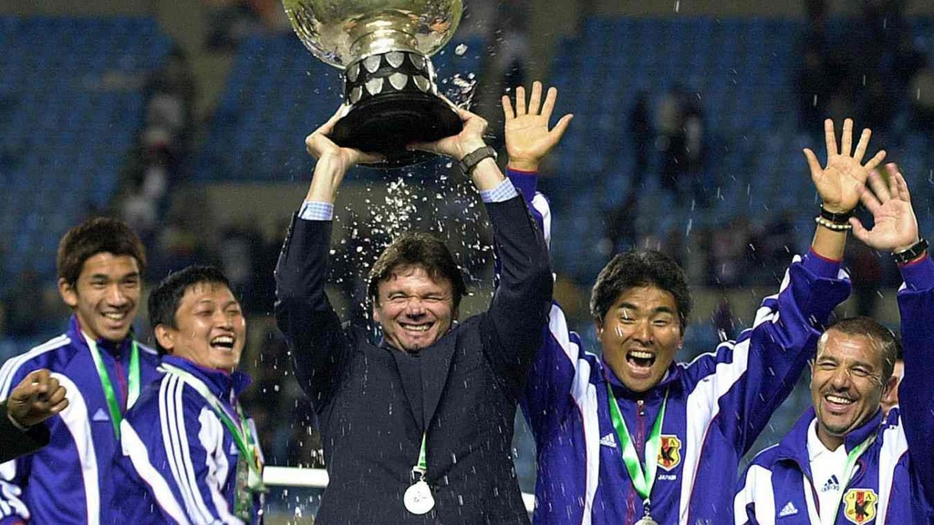 HLV Philippe Troussier va ky vong dua Viet Nam toi World Cup hinh anh 2
