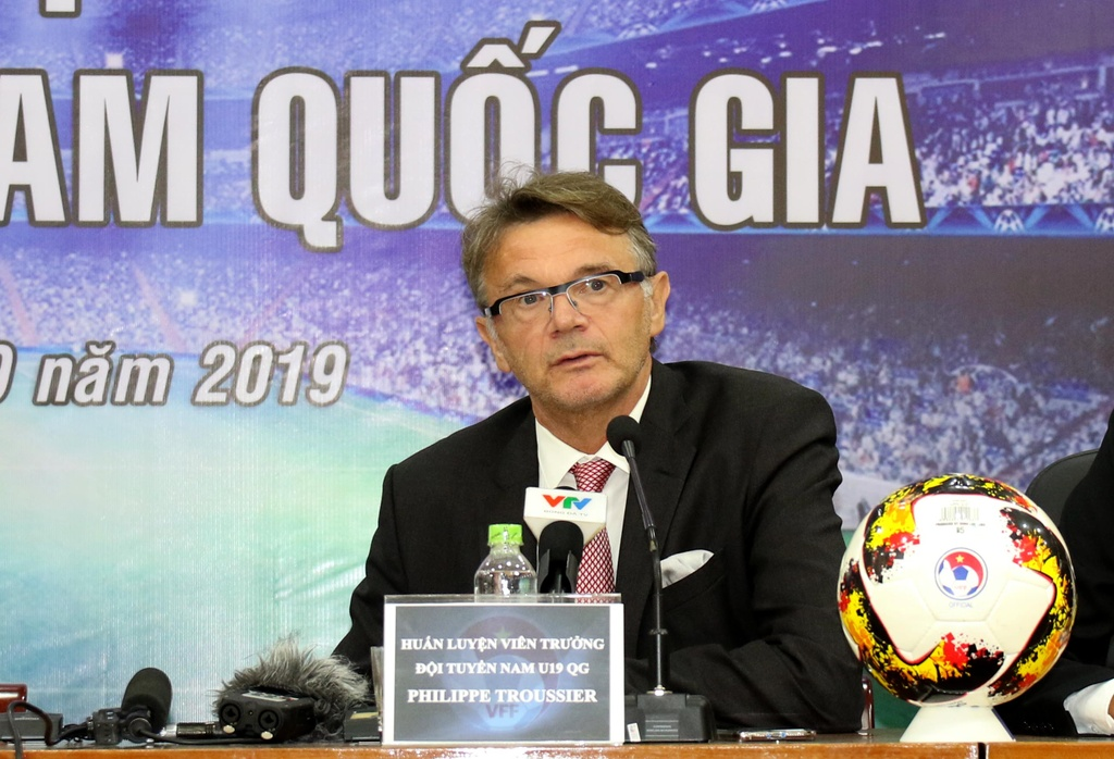 HLV Philippe Troussier va ky vong dua Viet Nam toi World Cup hinh anh 1