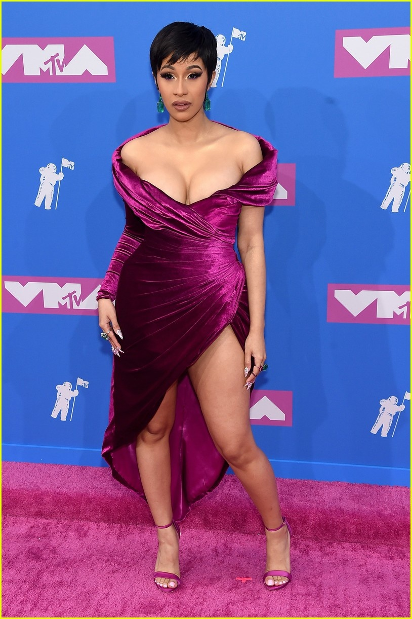 Dan sao long lay tren tham do MTV Video Music Awards 2018 hinh anh 1