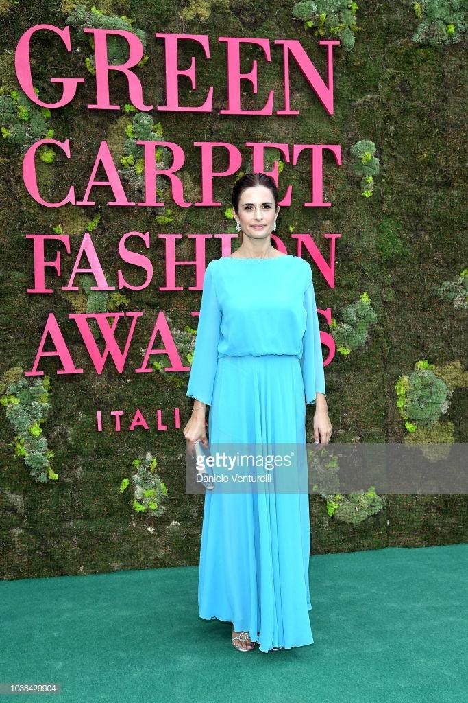 9 bo canh an tuong nhat Green Carpet Fashion Awards 2018 hinh anh 6