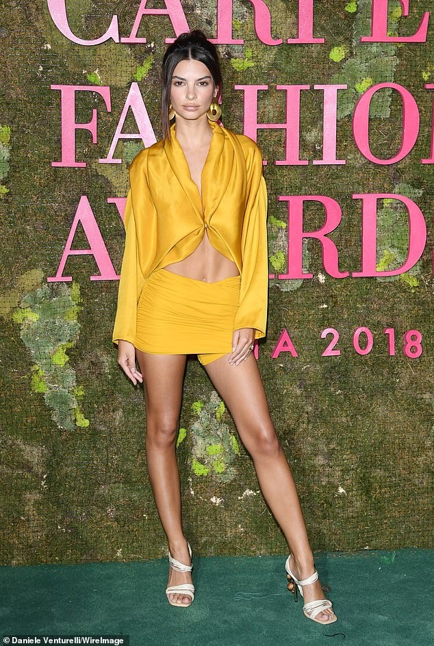 9 bo canh an tuong nhat Green Carpet Fashion Awards 2018 hinh anh 3