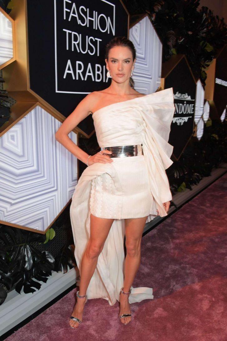 Miranda Kerr va dan sieu mau Victoria's Secret mac dep tuan qua hinh anh 2