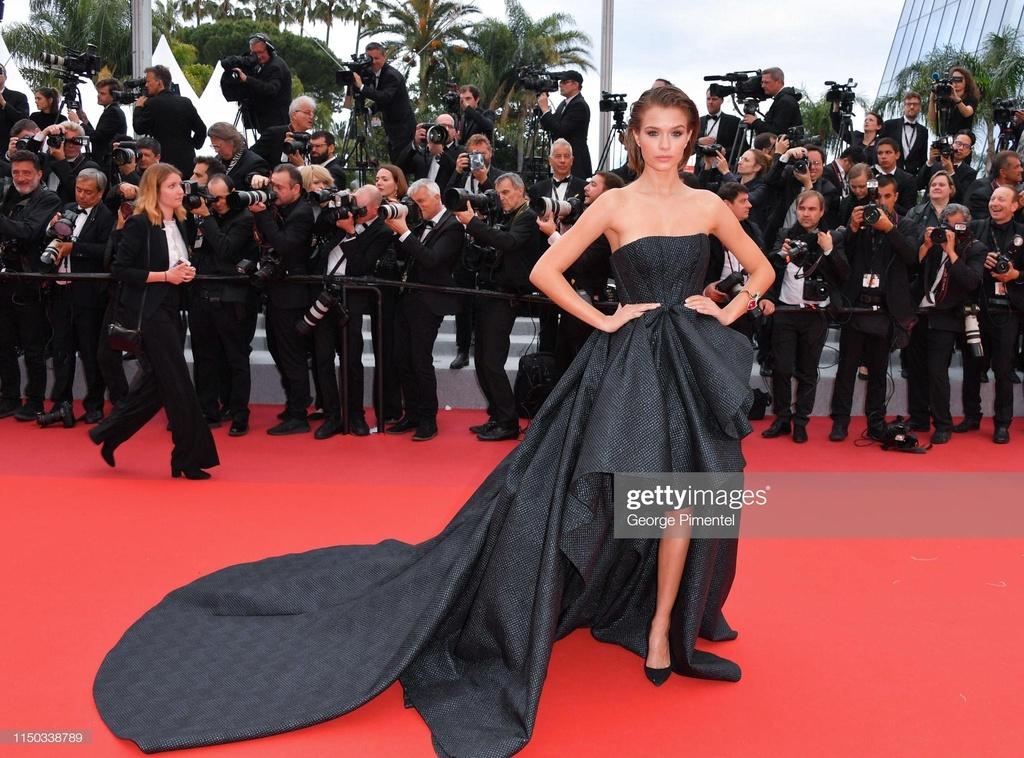 Hoa hau dep nhat moi thoi dai long lay tren tham do Cannes hinh anh 6