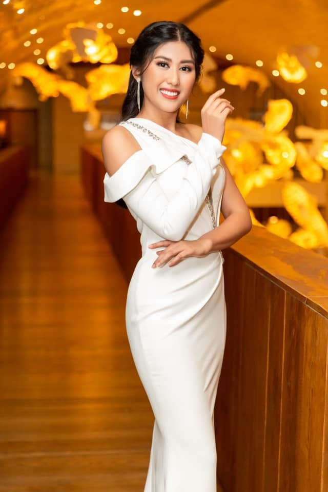 Top 5 Hoa hau Hoan vu Viet Nam - nguoi roi showbiz, nguoi cuoi dai gia hinh anh 16