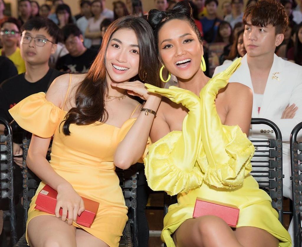 Top 5 Hoa hau Hoan vu Viet Nam - nguoi roi showbiz, nguoi cuoi dai gia hinh anh 8