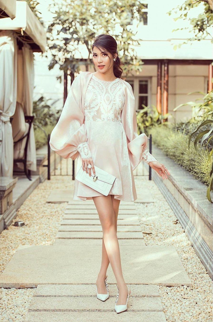 Diep Lam Anh, Lan Khue pho truong hang hieu khi mang thai hinh anh 2