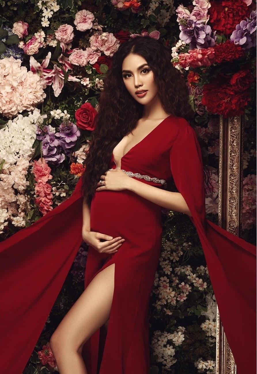 Diep Lam Anh, Lan Khue pho truong hang hieu khi mang thai hinh anh 3