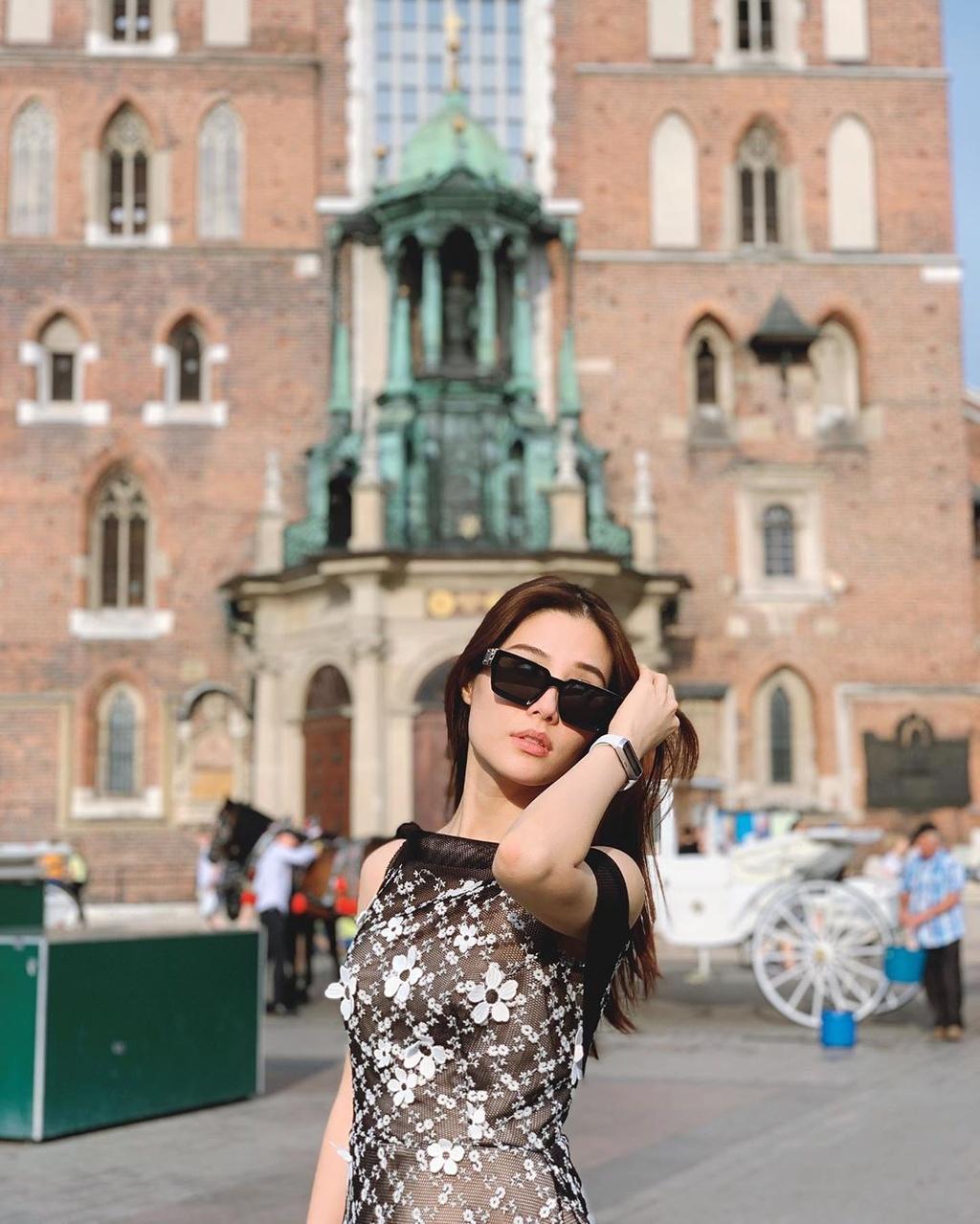 Angela Phuong Trinh va dan sao 'Mua he soi dong' thay doi sau 10 nam hinh anh 8