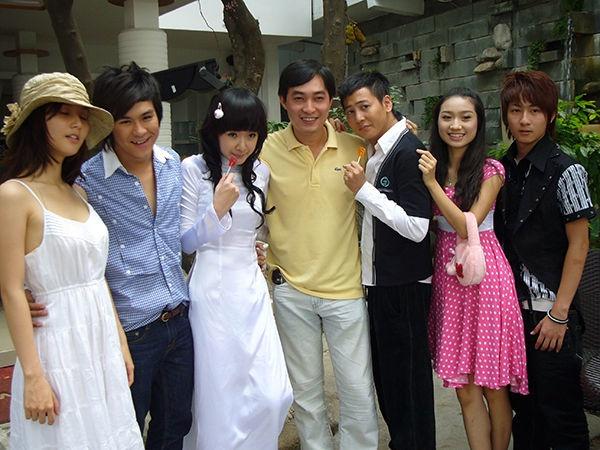 Angela Phuong Trinh va dan sao 'Mua he soi dong' thay doi sau 10 nam hinh anh 1