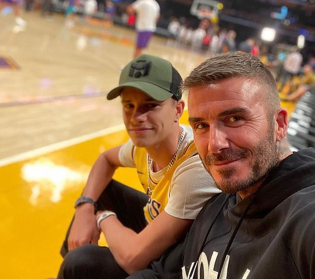 Con trai 17 tuoi gay chu y khi di xem bong ro cung David Beckham hinh anh 6