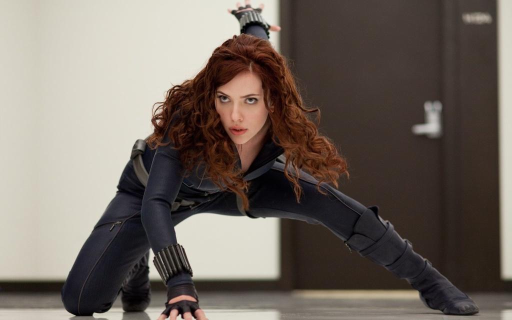 Mai toc cua Black Widow thay doi ra sao theo dong thoi gian Marvel? hinh anh 1