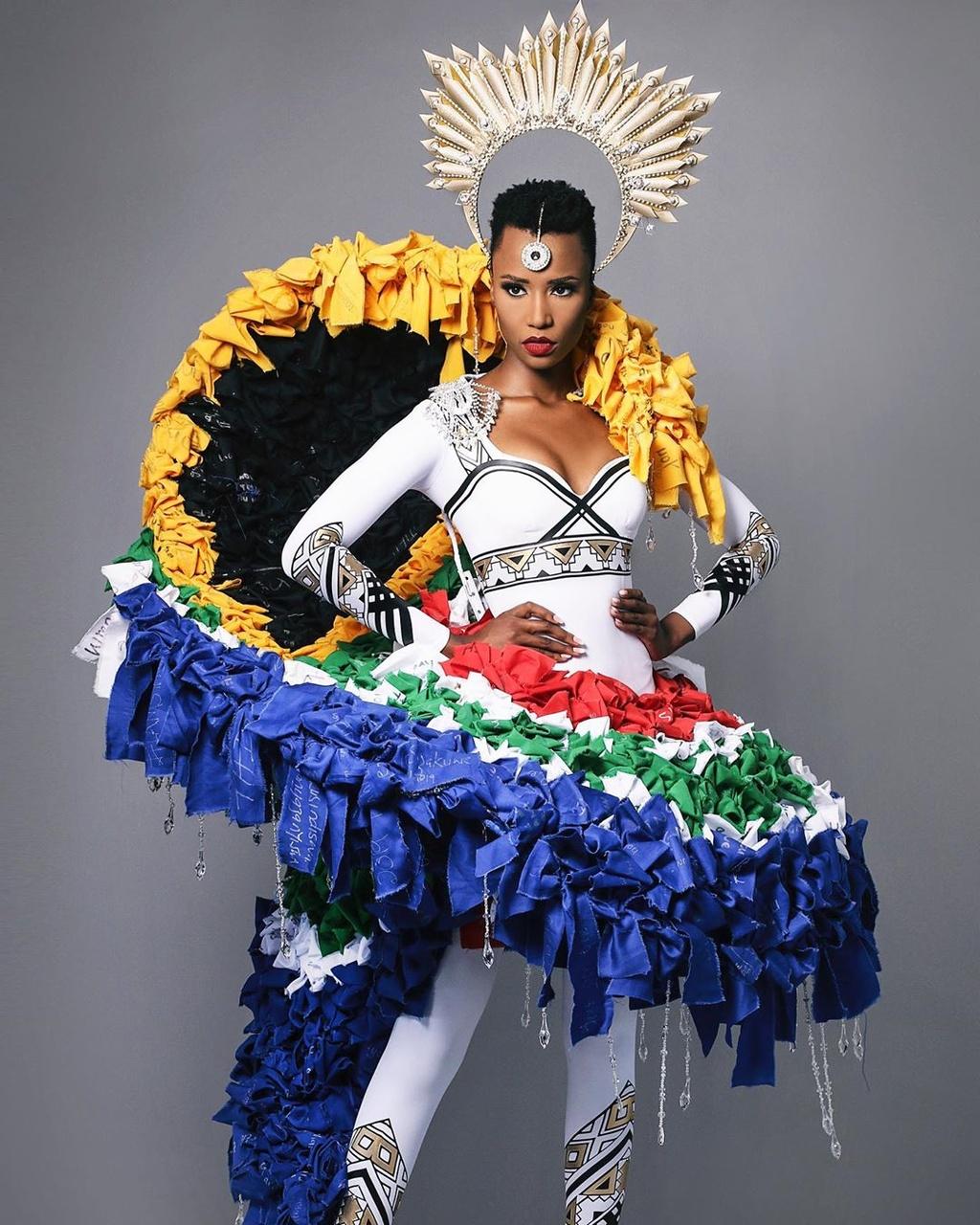 Ba nam thang hoa cua Nam Phi o Hoa hau Hoan vu The gioi hinh anh 4