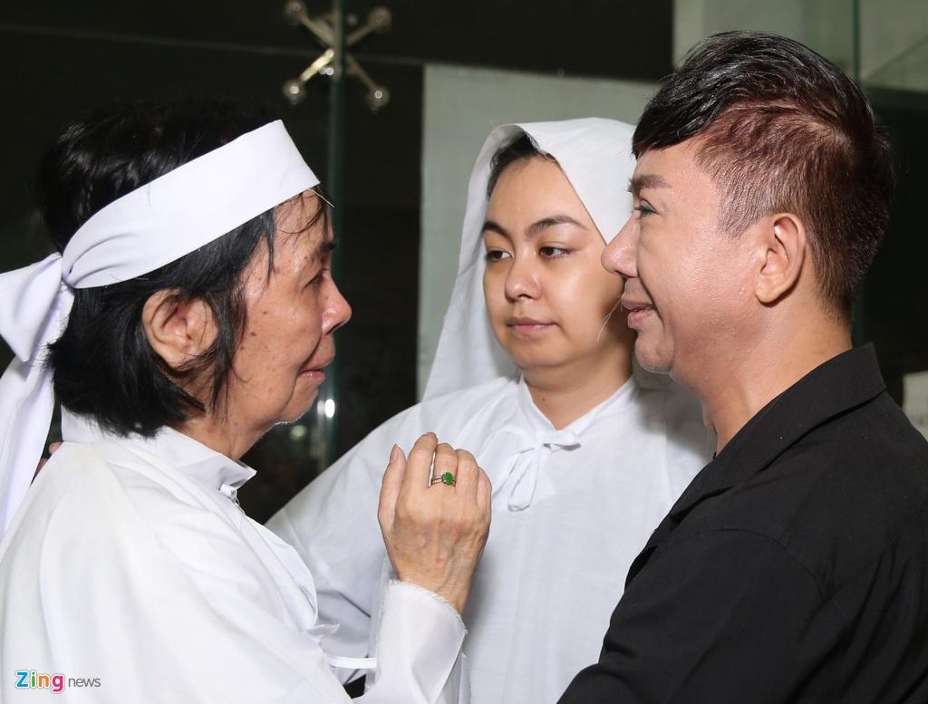 Vo co nghe si Chanh Tin: 'Anh noi tim that lai, dau qua' hinh anh 2 bichuyen_zing.jpg