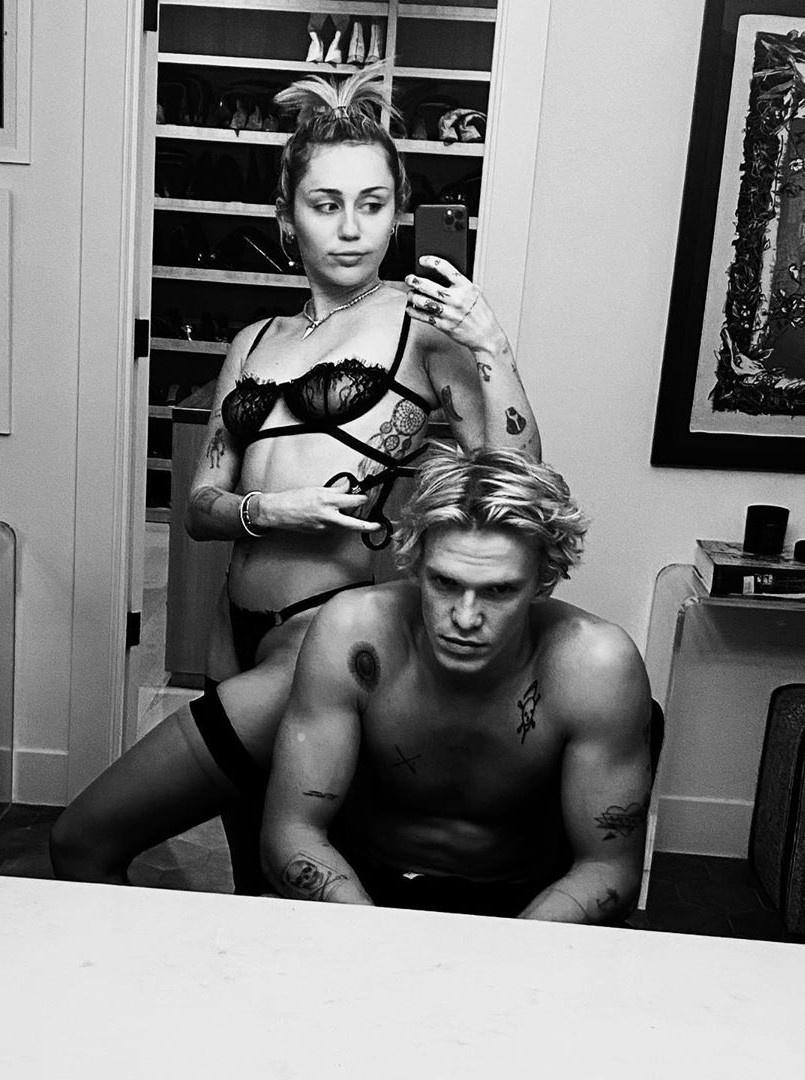 Miley Cyrus lai noi loan? hinh anh 2 codysimpson_82524136_177808400200848_3434871253266020432_n.jpg