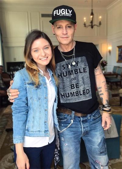 Johnny Depp - nguoi dan ong mat tat ca vi mot bong hong hinh anh 5 Johnny361551527981432.jpg