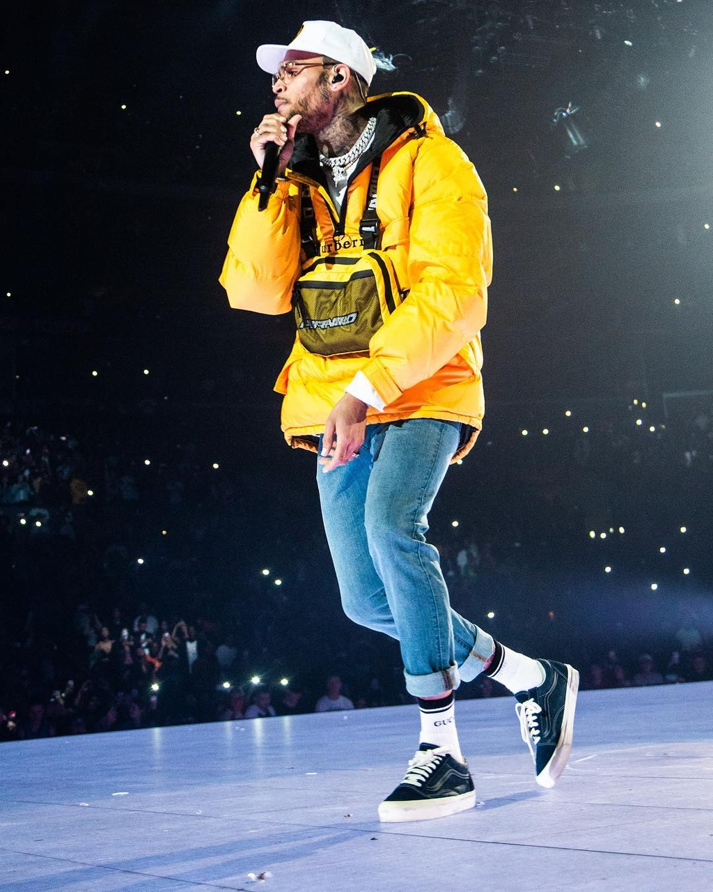 Chris Brown danh Rihanna anh 2
