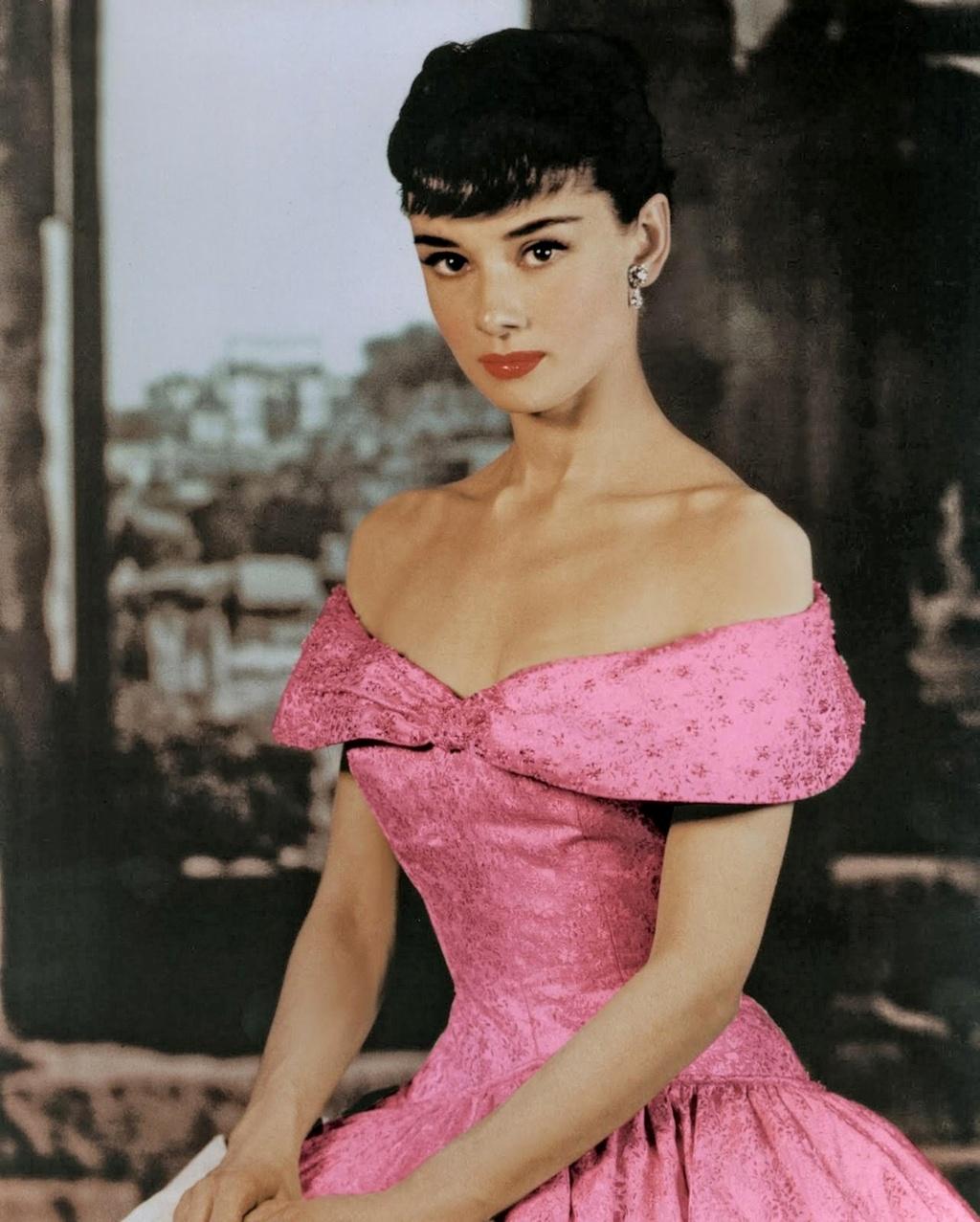 bieu tuong nhan sac Audrey Hepburn anh 8
