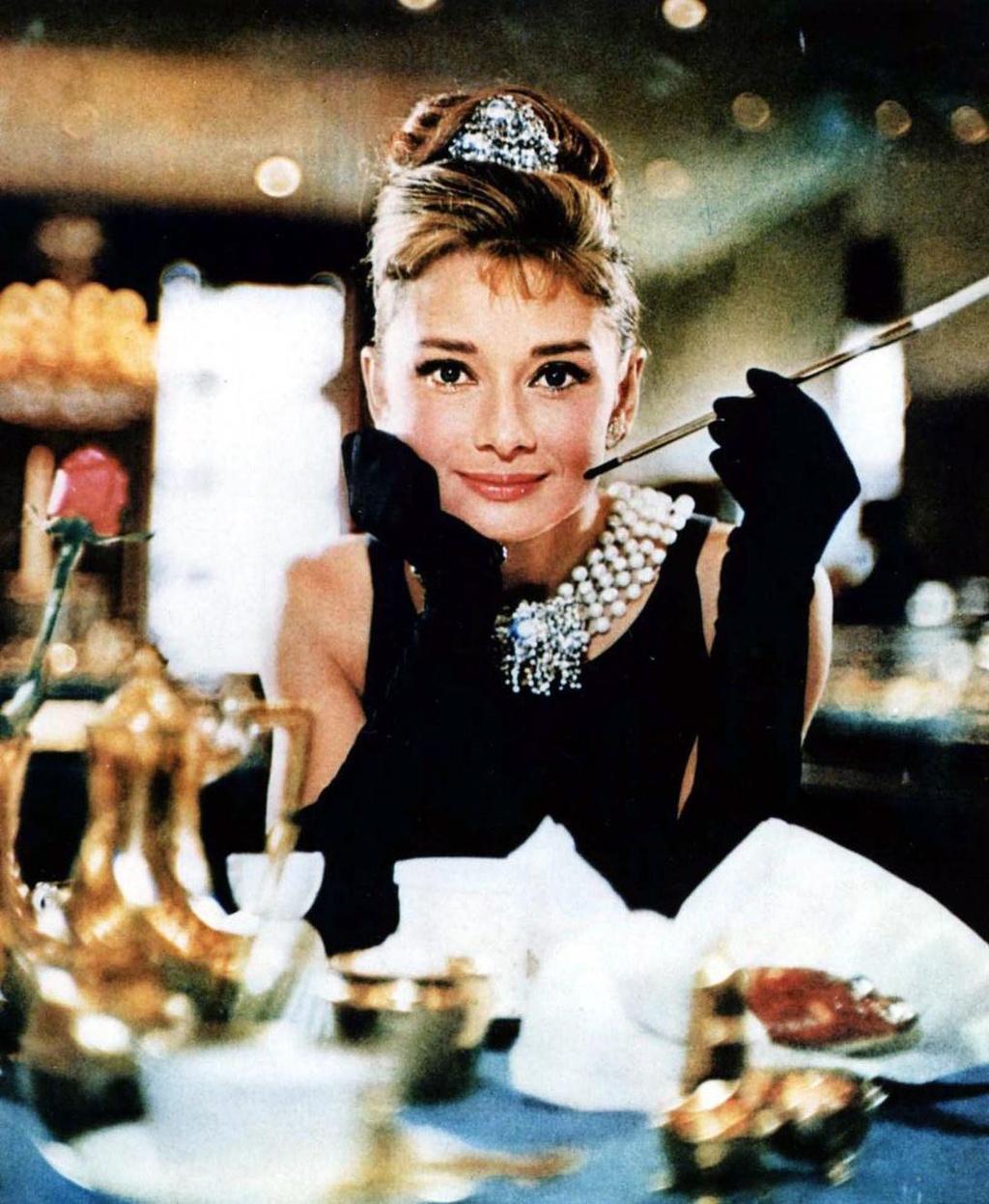 bieu tuong nhan sac Audrey Hepburn anh 2