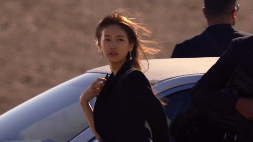 Vi dau phim bo Han Quoc cu 'dau voi duoi chuot'? hinh anh 8 vagabond_suzy_1.jpg