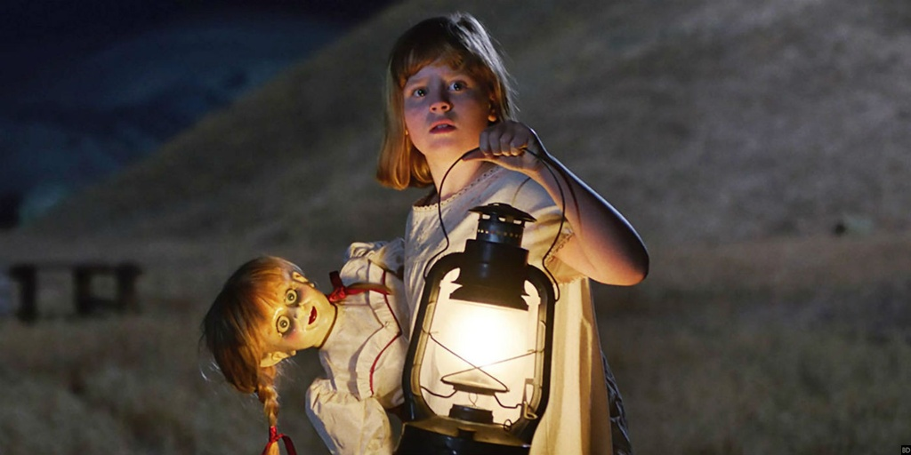 bup be Annabelle bi quy am anh 10