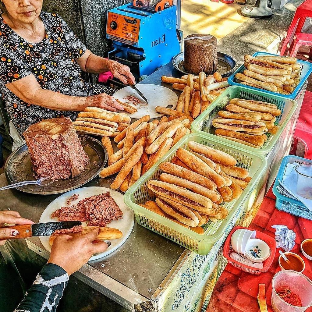Banh mi cay - thuc qua hut khach tai Hai Phong hinh anh 5 cay10.jpg