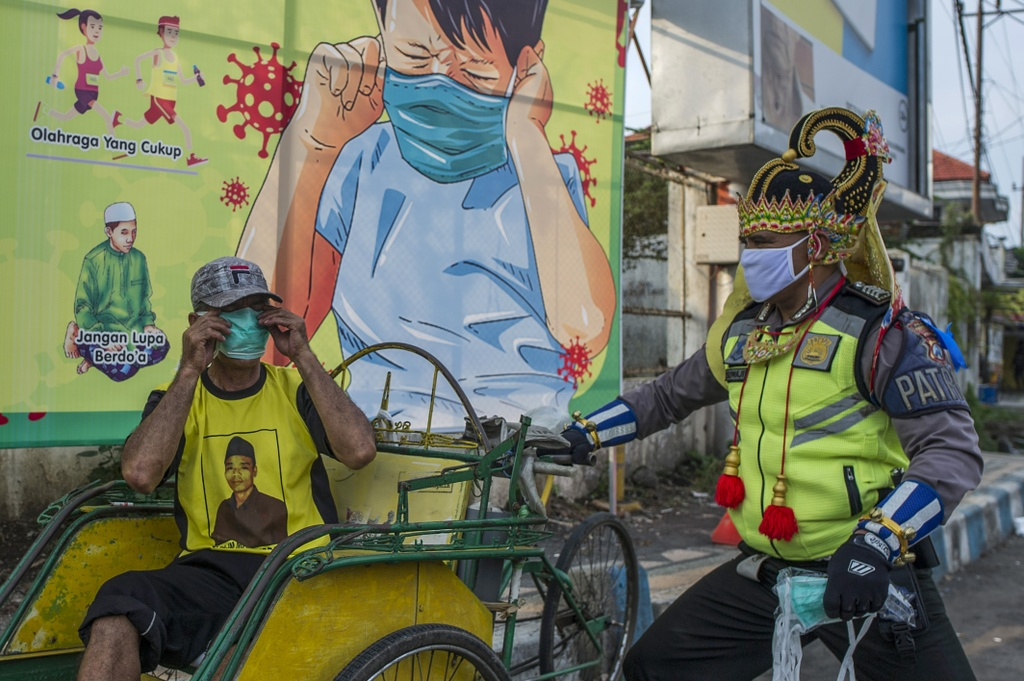 Nhung tac pham duong pho truyen cam hung mua dich hinh anh 11 East_Java_Street_Art.jpg