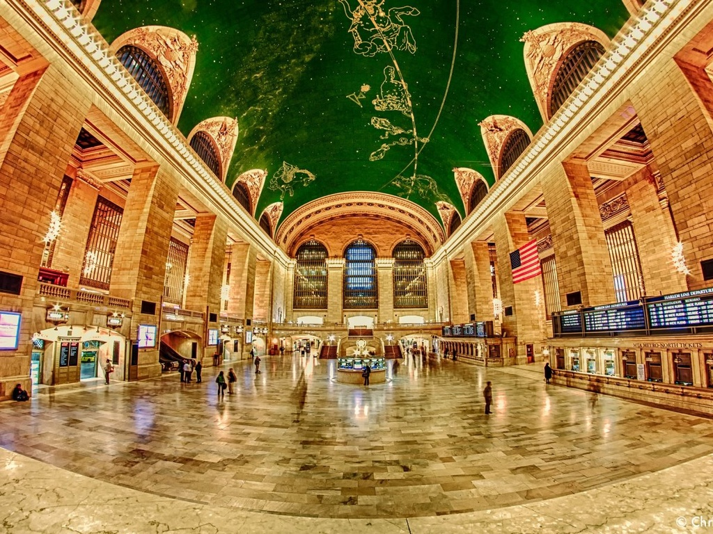 17 ga tau dien ngam long lay nhat the gioi hinh anh 3 Du khách có thể ngắm nhìn trần nhà lộng lẫy của nhà ga trung tâm New York, Mỹ. Đây cũng là nhà ga giữ kỷ lục Guiness lớn nhất thế giới với 44 trạm dừng.