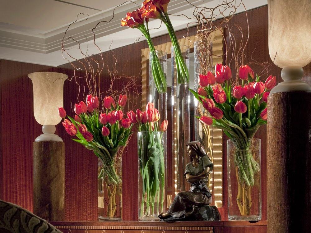 Các phòng luôn có hoa tươi, tạo cảm giác lãng mạn, dễ chịu.